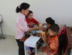 Cô giáo 12 năm dạy chữ cho trẻ em nghèo