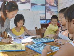 Dạy ngoại ngữ miễn phí ở đảo