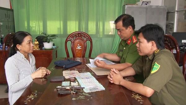 Chị Bùi Thị Nhỡ - Người đã nhặt 84 triệu đồng và trả lại.