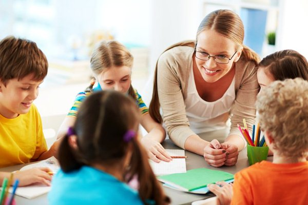 Lớp học dạy tiếng Anh