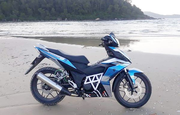 Xe Honda Winner màu xanh dương